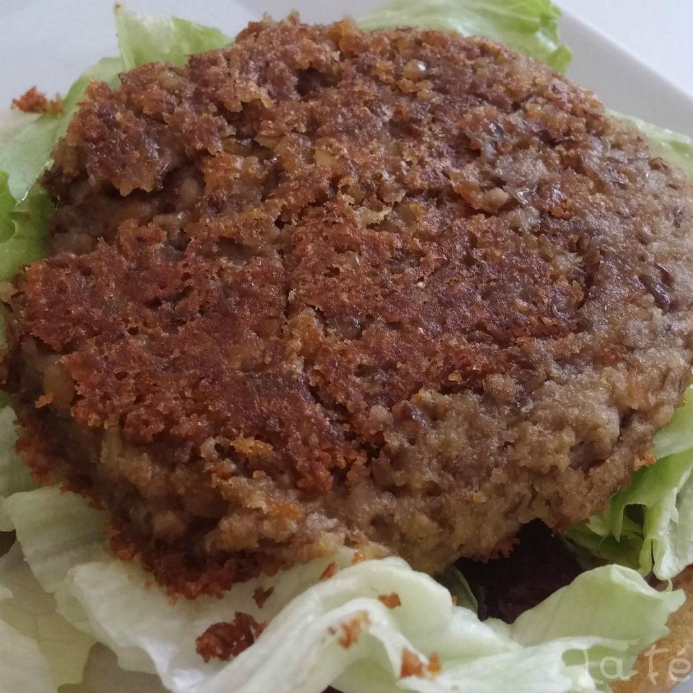 Burger de lentilles brunes et  pomme de terre